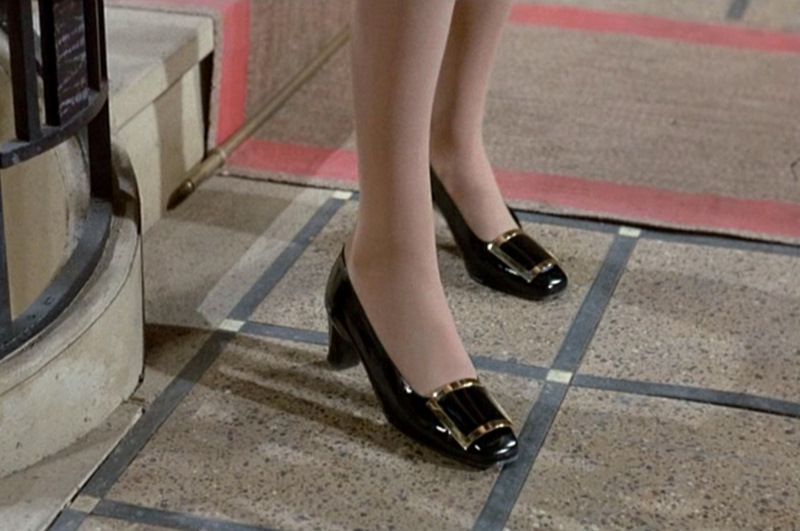 és Catherine Deneuve lábán 5e9e53c275